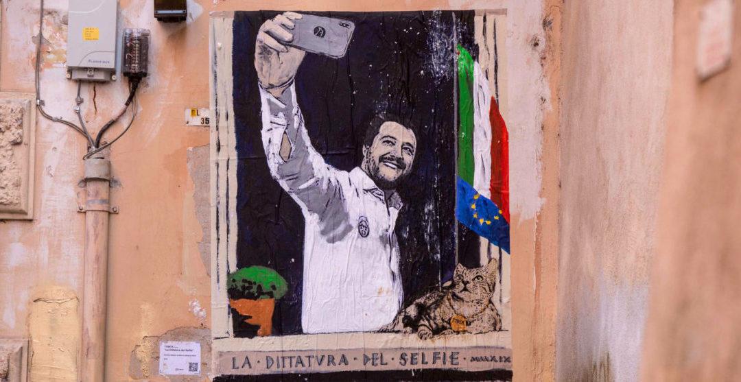 Da Mussolini a Salvini, il tragico che si fa ridicolo